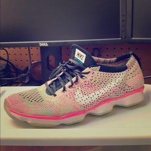 Nike Flyknit Zoom 🏎 6.5 Women